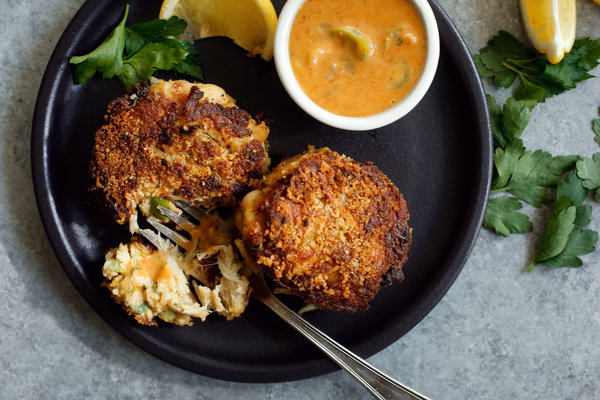 Baltimore-Style crab cakes